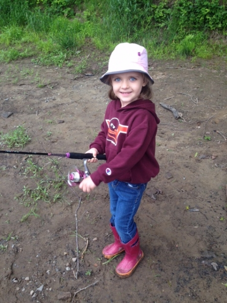 Fishing lake kabetogama minnesota fishing resort mn for Little girl fishing pole